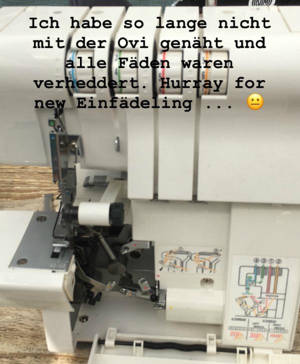 Meine Overlockmaschine. Ich hasse das Einfädeln ... Foto: Petra A. Bauer 2018.