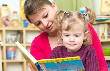 Wie bereite ich mein Kind optimal auf die Schule vor? Foto: Rolf van Melis, pixelio.de