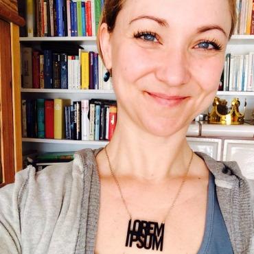 Lilian Kura, Texterin, Übersetzerin.