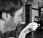 Unschlagbare Mischung: Magazine & Kaffe. via Mit Vergnügen