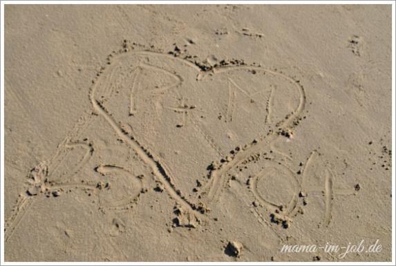 Montagsherz 001 - Am Strand von Pentrez / Bretagne