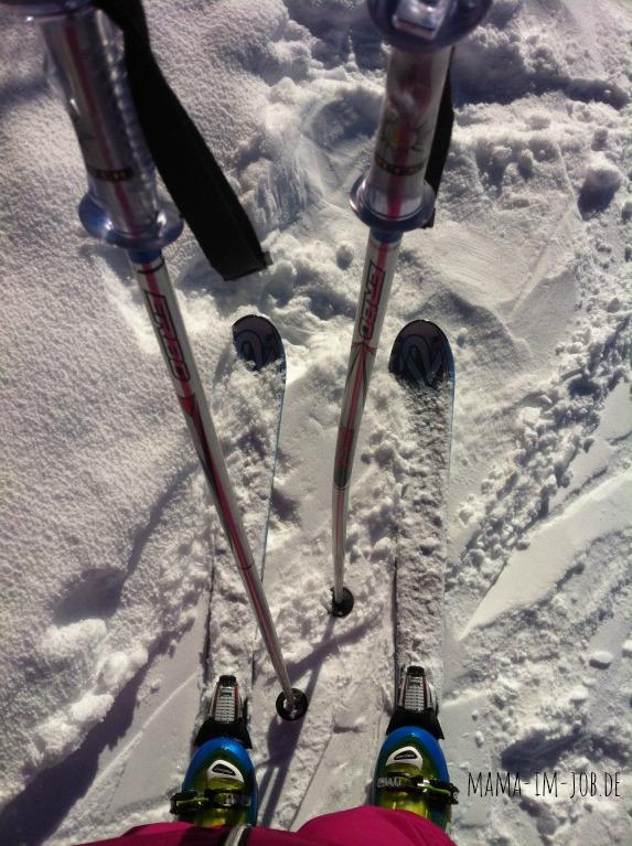 Skier im Schnee am Hochzeiger