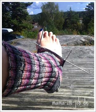 Socken stricken im Schwedenurlaub.